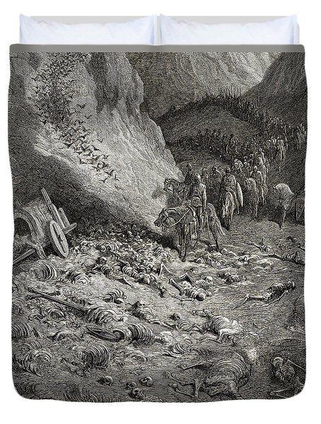 The Army Of The Second Crusade Find The Remains Of The Soldiers Of The First Crusade Duvet Cover by Gustave Dore