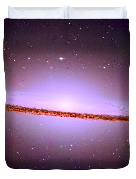 The Sombrero Galaxy M104 Duvet Cover by Don Hammond
