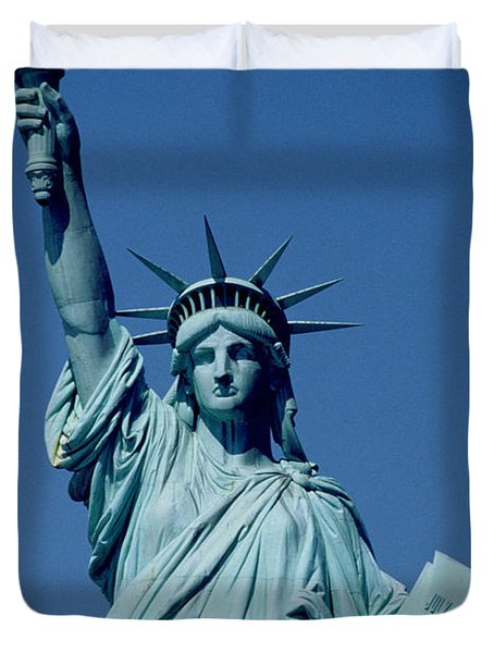 The Statue Of Liberty Duvet Cover by American School