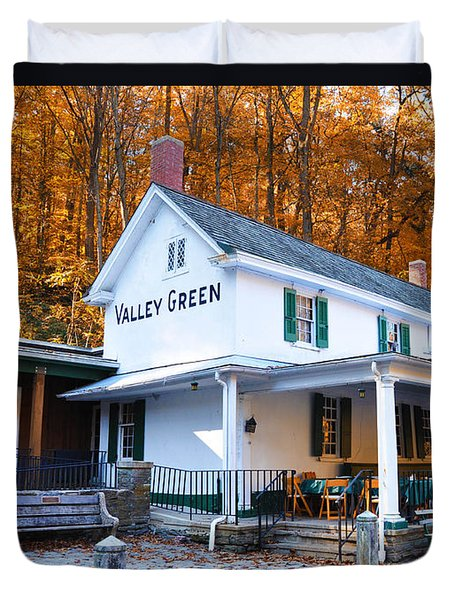 The Valley Green Inn in Autumn Duvet Cover by Bill Cannon