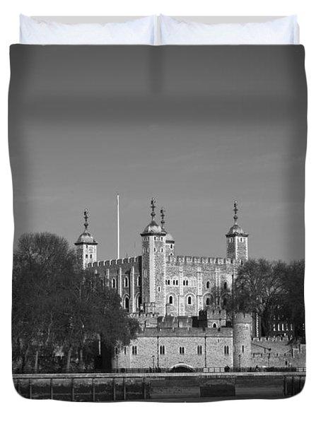 Tower Of London Riverside Duvet Cover by Gary Eason