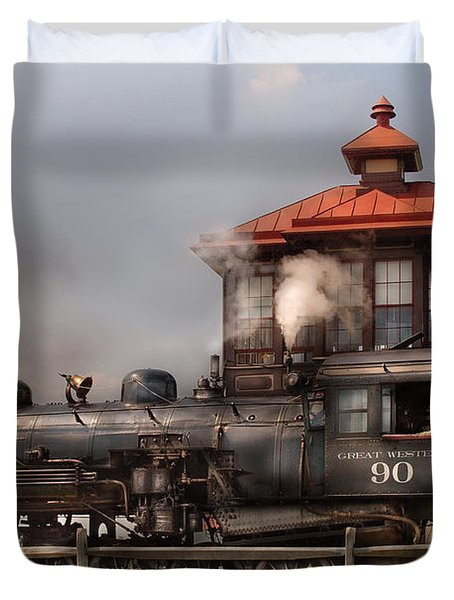 Train - Engine -the Great Western 90 Duvet Cover by Mike Savad