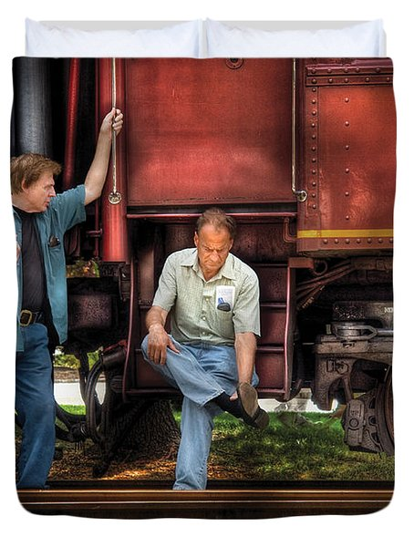Train - Yard - Shoot'in The Breeze Duvet Cover by Mike Savad