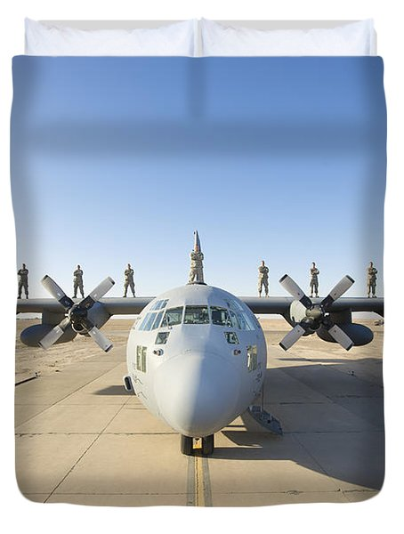 Troops Stand On The Wings Of A C-130 Duvet Cover by Terry Moore
