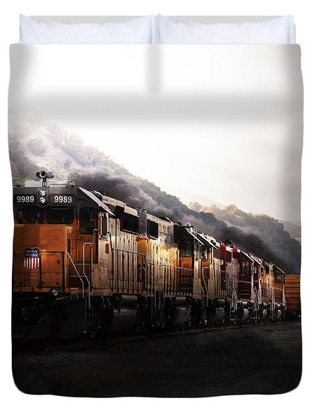 Union Pacific Locomotive At Sunrise . 7d10561 Duvet Cover by Wingsdomain Art and Photography