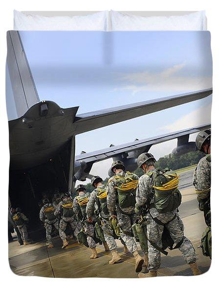 U.s. Army Rangers Board A U.s. Air Duvet Cover by Stocktrek Images