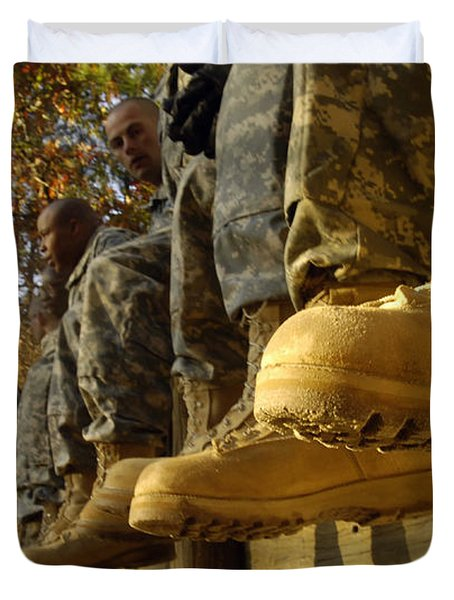 U.s. Army Soldiers Prepare For Basic Duvet Cover by Stocktrek Images