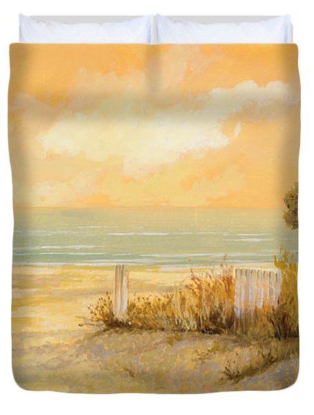 verso la spiaggia Duvet Cover by Guido Borelli