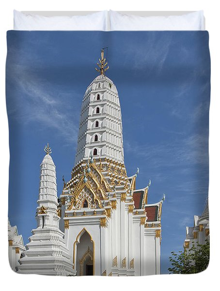 Wat Phitchaya Yatikaram Prangs Dthb1186 Duvet Cover by Gerry Gantt