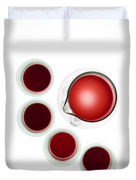 Wine decanter and glasses Duvet Cover by Frank Tschakert