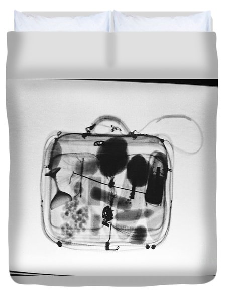 X-ray Of Suitcase Duvet Cover by Science Source
