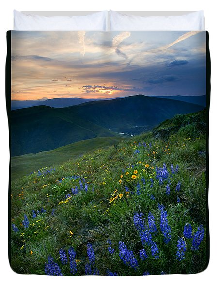 Yakima River Canyon Sunset Duvet Cover by Mike  Dawson