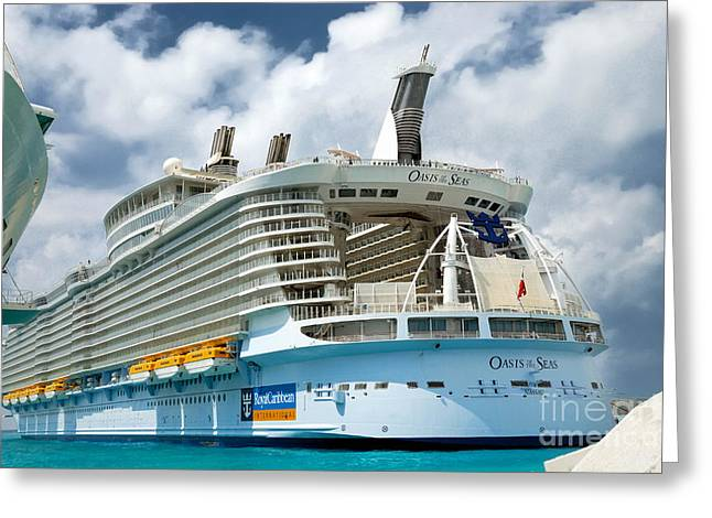 Theater Of The Sea Greeting Cards - Aft view Oasis of the Seas Greeting Card by Amy Cicconi