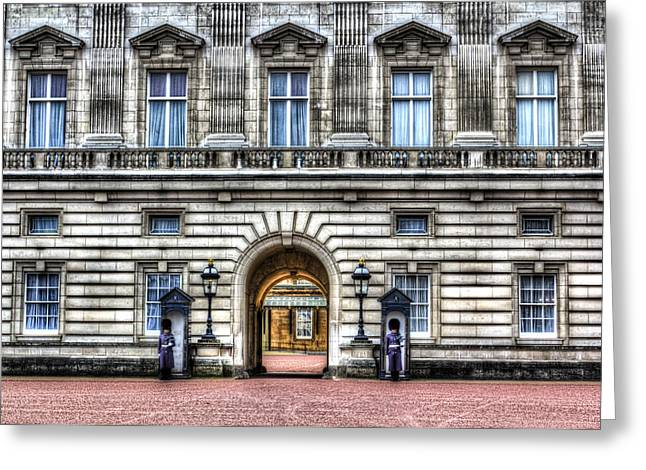 Family Buckingham Palace Greeting Cards - Buckingham Palace London Greeting Card by David Pyatt