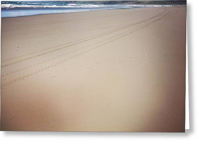 Beach Photograph Greeting Cards - Coastline Greeting Card by Les Cunliffe