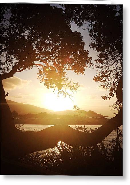 Amazing Sunset Greeting Cards - Raglan Greeting Card by Les Cunliffe