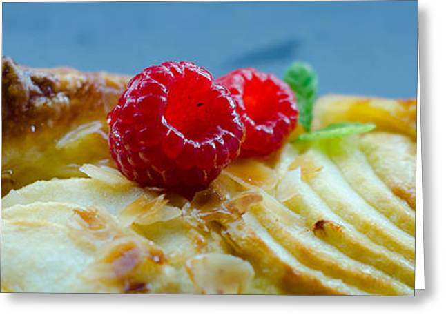 Pan Cakes Greeting Cards - Tartelette Aux Pommes Greeting Card by Jose Flores