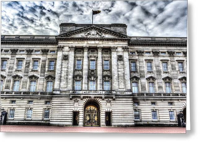 Buckingham Palace Greeting Cards - Buckingham Palace London Greeting Card by David Pyatt