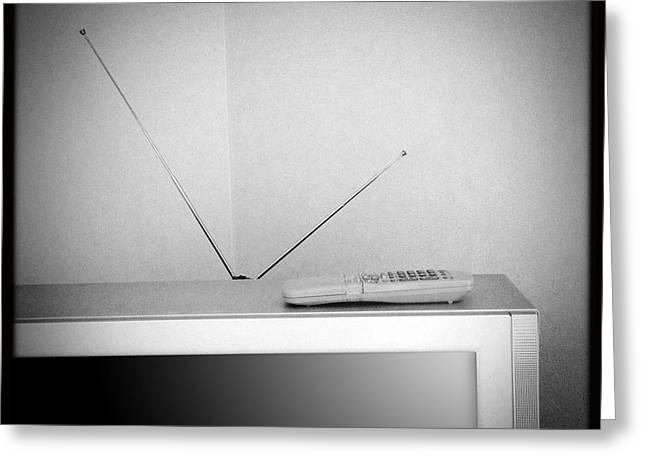 Broadcast Antenna Greeting Cards - Old television Greeting Card by Les Cunliffe