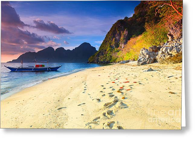 Beach Scenery Greeting Cards - Seascape Greeting Card by MotHaiBaPhoto Prints