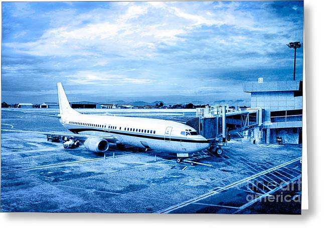 William Voon Greeting Cards - Airplane At Aerobridge Greeting Card by William Voon