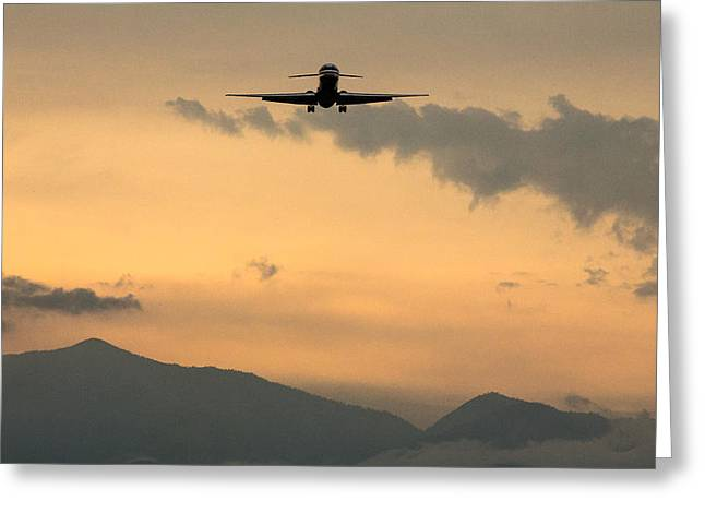 American Airlines Greeting Cards - American Airlines Approach Greeting Card by John Daly