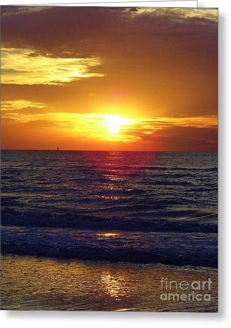 Reflection Of Sun In Clouds Greeting Cards - Beach Sunset Beauty Greeting Card by D Hackett