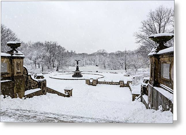Bethesda Fountain Greeting Cards - Bethesda Fountain In Central Park Greeting Card by Susan Candelario