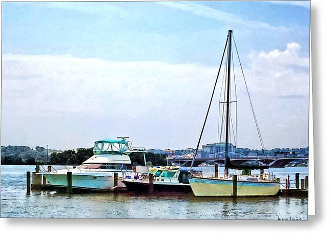Boats On The Potomac Near Founders Park Greeting Card by Susan Savad