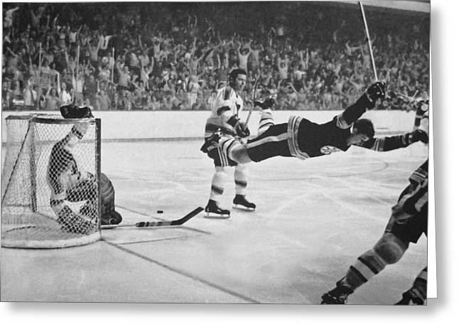 Bobby Greeting Cards - Bobby Orr Greeting Card by Andrew Fare