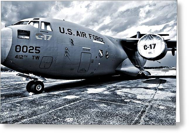 Military Airplanes Greeting Cards - Boeing C-17 Airplane Greeting Card by Dan Sproul