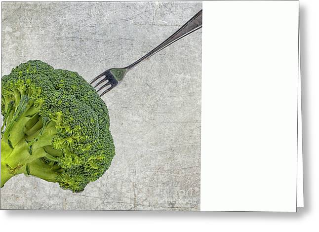 Broccoli Greeting Cards - Broccoli met vork Greeting Card by Patricia Hofmeester