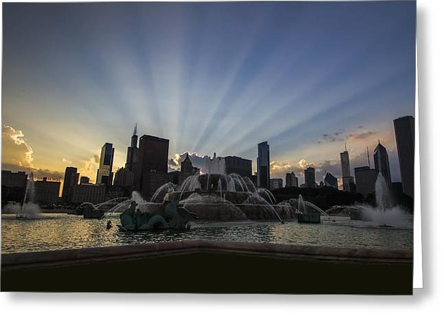 Tower Of Light Greeting Cards - Buckingham Fountain with rays of sunlight Greeting Card by Sven Brogren