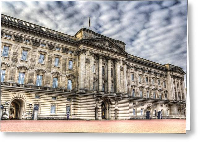 Family Buckingham Palace Greeting Cards - Buckingham Palace Greeting Card by David Pyatt