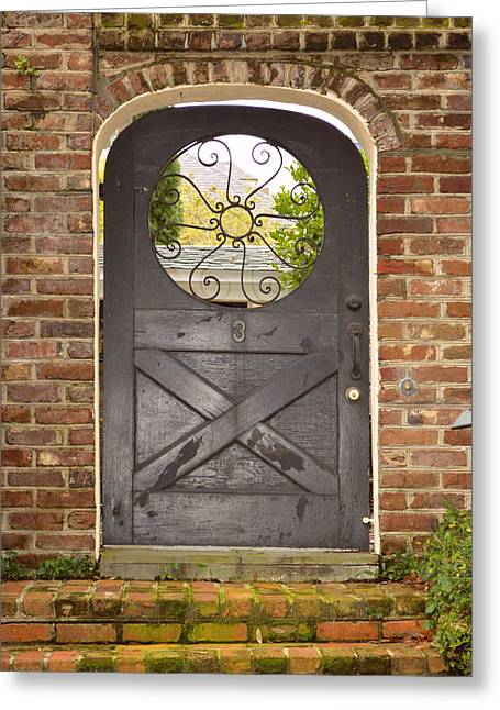 Entrance Door Greeting Cards - Charleston doorway Greeting Card by Linda Covino
