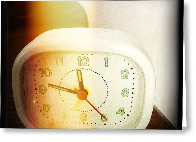 Alarm Greeting Cards - Clock Greeting Card by Les Cunliffe