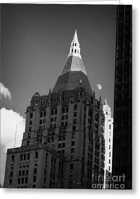 Manhaten Greeting Cards - Close Up Of The Top Of The New York Life Insurance Company Tower And Gold Roof New York Greeting Card by Joe Fox