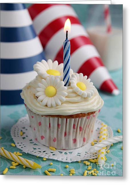 Green Swirl Hat Greeting Cards - Cupcake with flowers Greeting Card by Isabel Poulin
