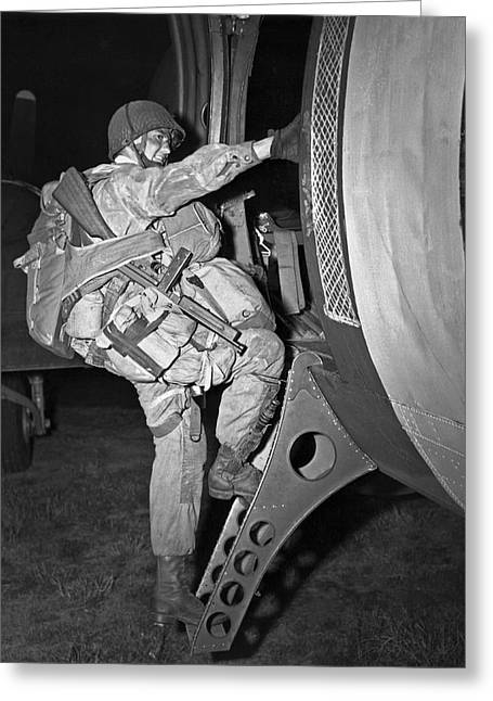 D-day Paratrooper Ready Greeting Card by Underwood Archives