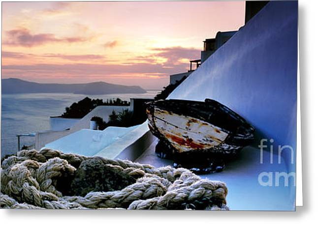 Santorini Sunset Greeting Card by Rod McLean