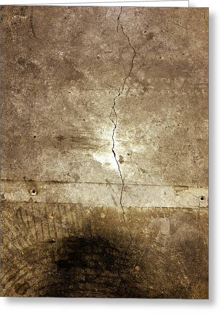 Crack Greeting Cards - Grunge wall Greeting Card by Les Cunliffe