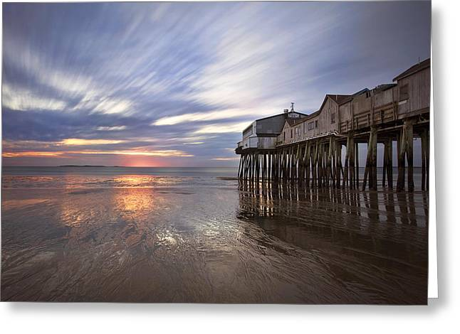 Horizons Glow Greeting Card by Eric Gendron