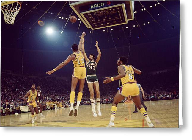Los Angeles Lakers Greeting Cards - Kareem Abdul Jabbar Shoots Under Pressure Greeting Card by Retro Images Archive