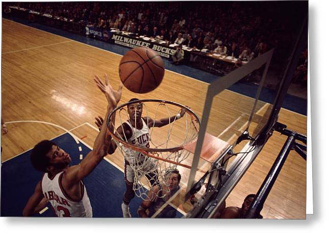 African-americans Greeting Cards - Kareem Abdul Jabbar Tip In Greeting Card by Retro Images Archive