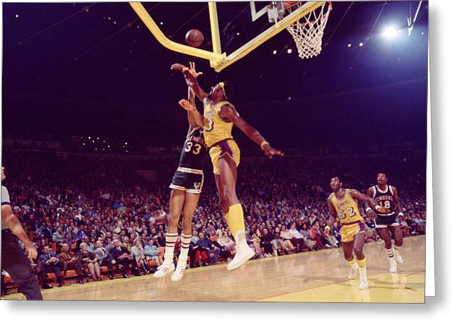 Los Angeles Lakers Greeting Cards - Kareem Abdul Jabbar Vs. Chamberlain Greeting Card by Retro Images Archive