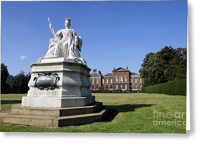 Kensington Greeting Cards - Kensington Palace and Queen Victoria statue Greeting Card by Robert Preston