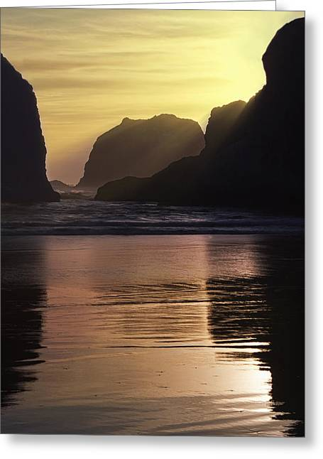 Ocean Art Photographs Greeting Cards - Last Rays Greeting Card by Andrew Soundarajan
