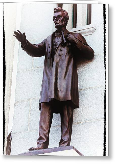 Abraham Lincoln Photos Greeting Cards - Lincoln at Gettysburg Greeting Card by John Rizzuto