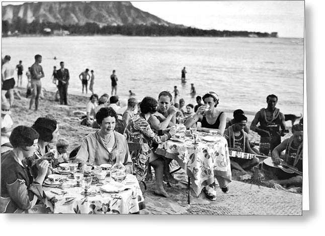 Lunch On Waikiki Beach Greeting Card by Underwood Archives