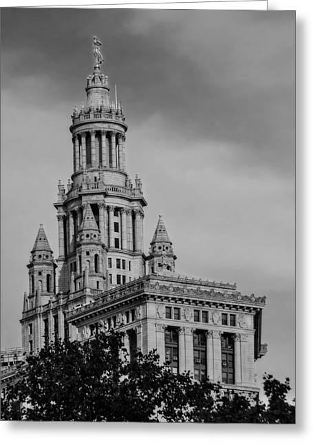Manhattan Municipal Building Bw Greeting Card by Susan Candelario